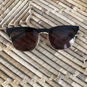 Gucci Accessories - GUCCI Sunglasses ❤️💚